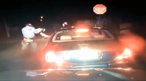 NJ cop shooting a black man when both his hands are out of the car